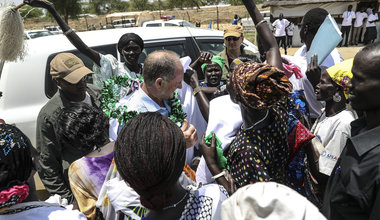 On visit to Bor, head of UNMISS stresses need to create conditions for displaced people to return home