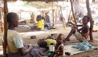 Shortage of food aid forces displaced western South Sudanese to survive on wild plants and fruit