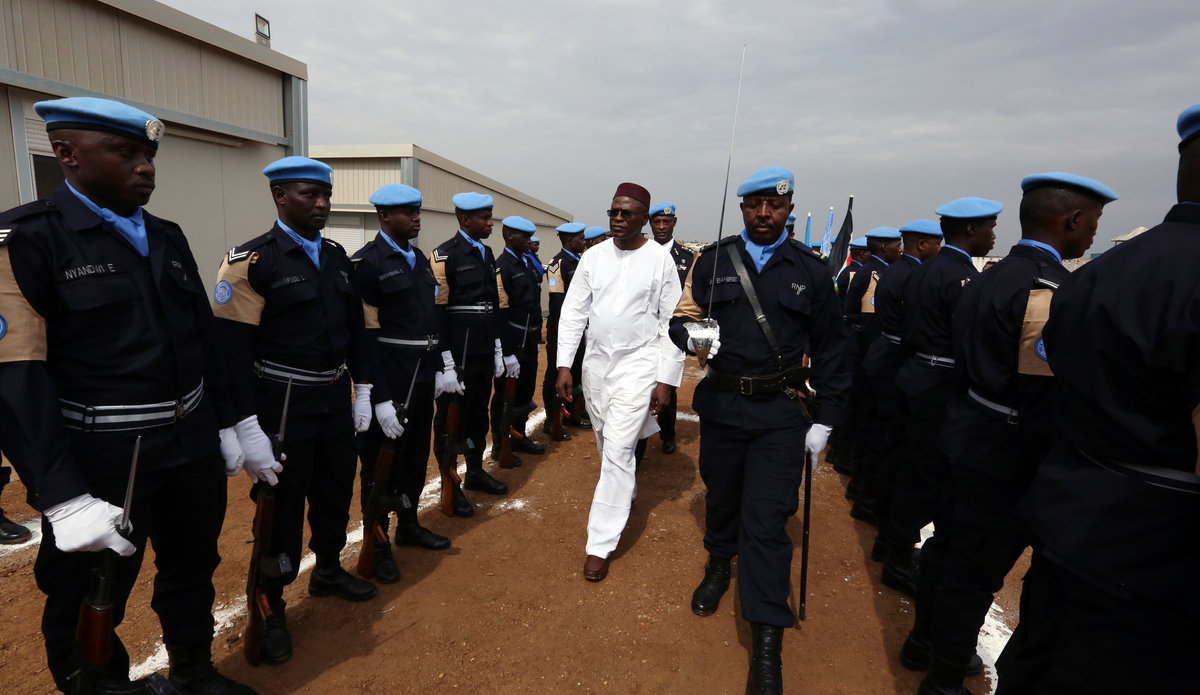 Rwandan police officers awarded UN medals for outstanding ...