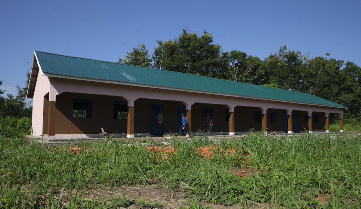 UNMISS helps children move from lessons under ancient trees to brand new classrooms in Western Equatoria