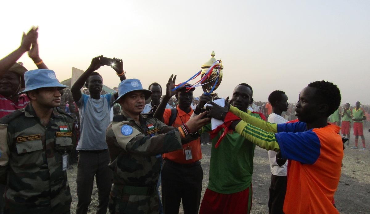 Indian soldiers unite communities in Melut through sport